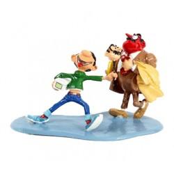 Pixi Franquin Gaston - Gaston brandissant la tête réduite de M. De Mesmaeker