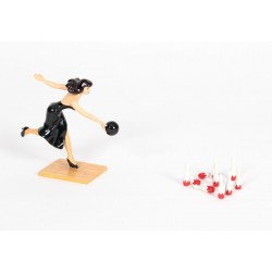 Pixi Berthet Pin-up - La Pin-up jouant au bowling