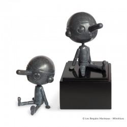 Bronze d'art Winshluss Pinocchio - Pinocchio rêveur (gris anthracite)
